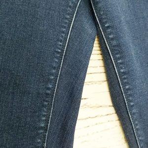 GAP Jeans - Gap 1969 medium wash real straight jeans BB1